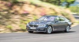 Poate noul BMW Seria 7 să surclaseze S-Class? Primul test realizat de Autocar