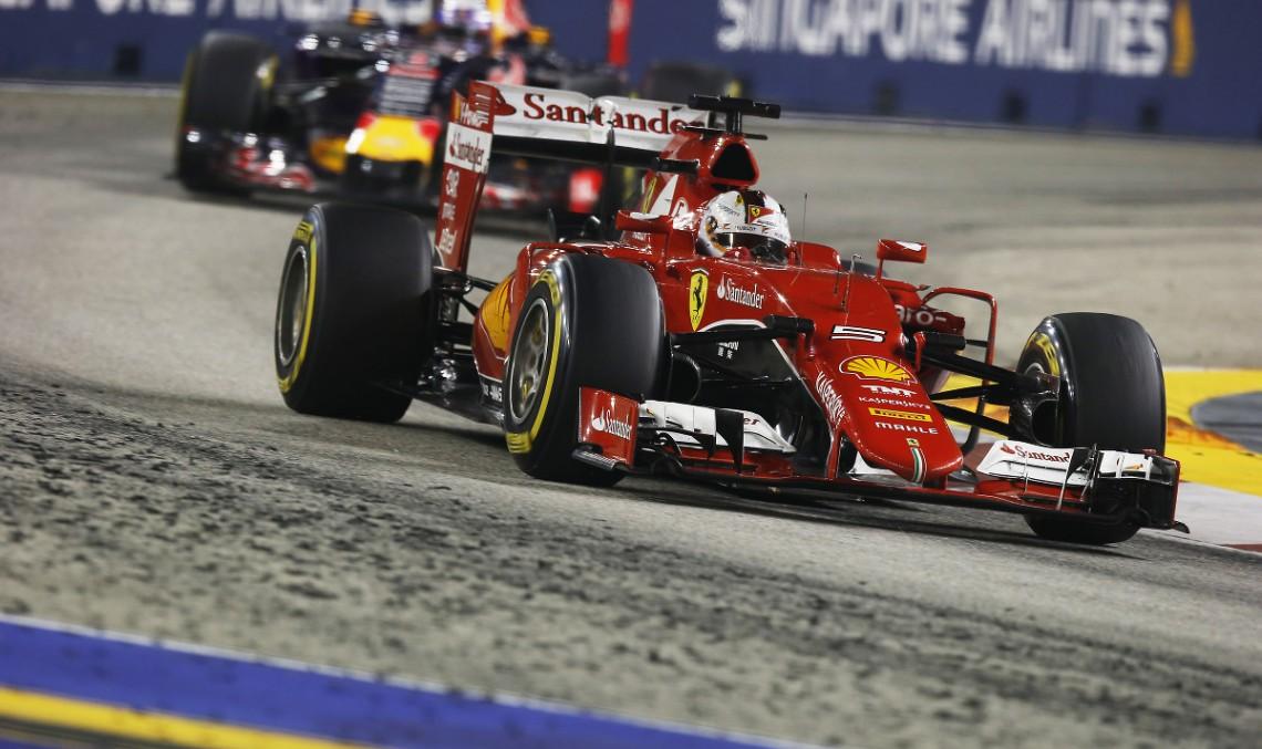 Singapore F1: Vettel câştigă, Ricciardo şi Raikkonen completează podiumul