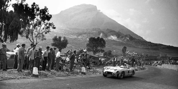 1955 – Cel mai de succes an în motorsport pentru Mercedes-Benz