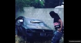 Masacrarea unui Mercedes-Benz S-Class