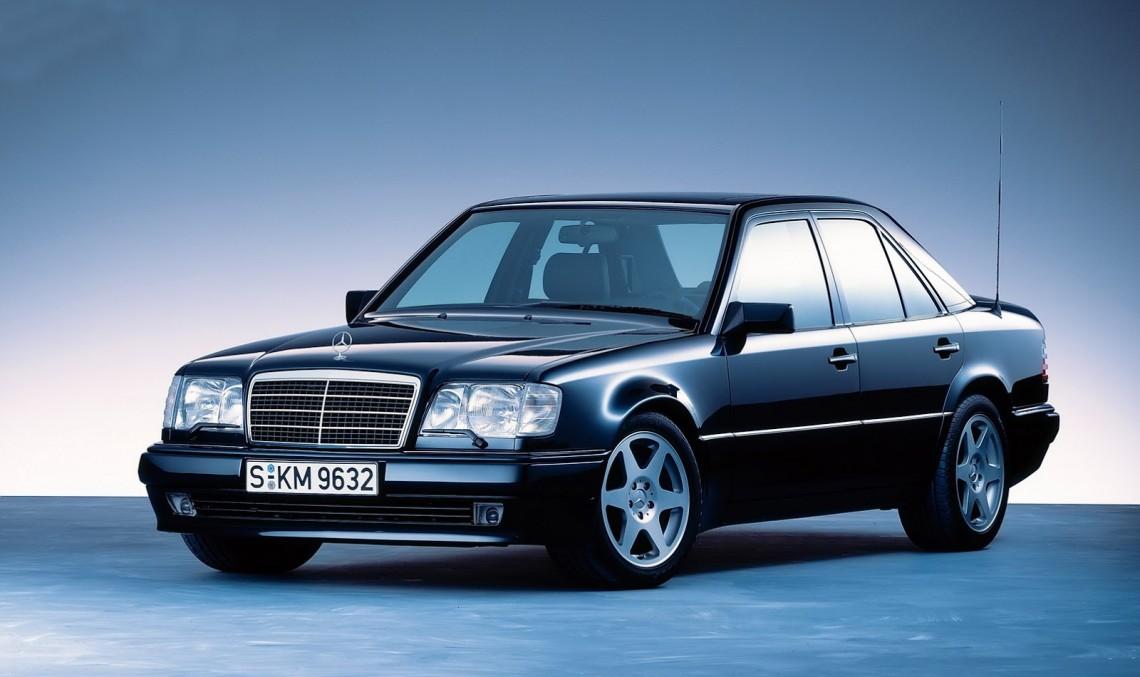 Legendarul Mercedes-Benz 500 E își sărbătorește cea de-a 25-a aniversare