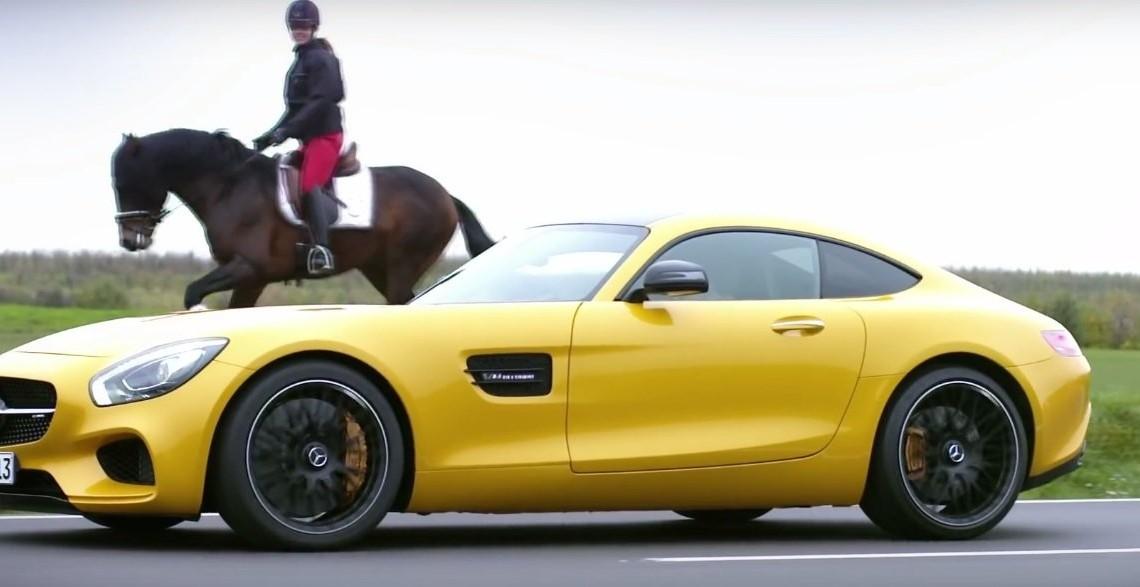"""Daimler câștigă """"Delfinul de Aur"""" la Premiile Corporate Media & TV de la Cannes"""