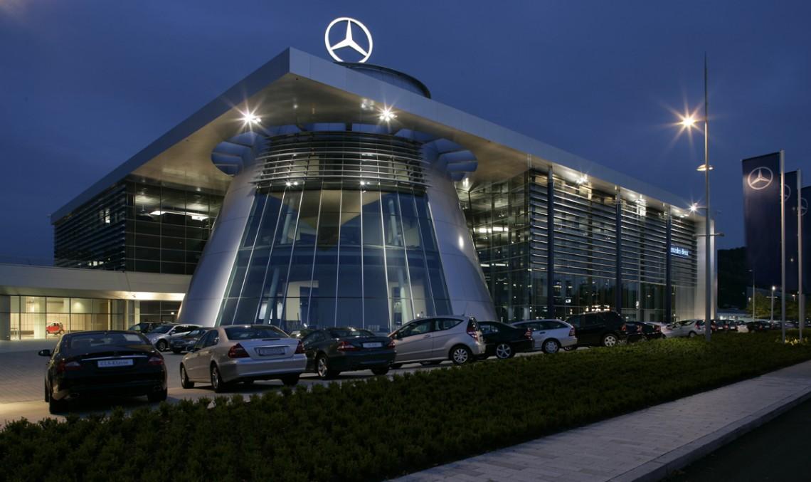 O șansă la o viață mai bună – Daimler oferă programe de internship pentru refugiați