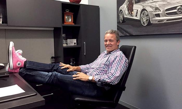 Bărbații adevărați poartă roz –CEO-ul de la Mercedes-Benz SUA se implică în lupta împotriva cancerului