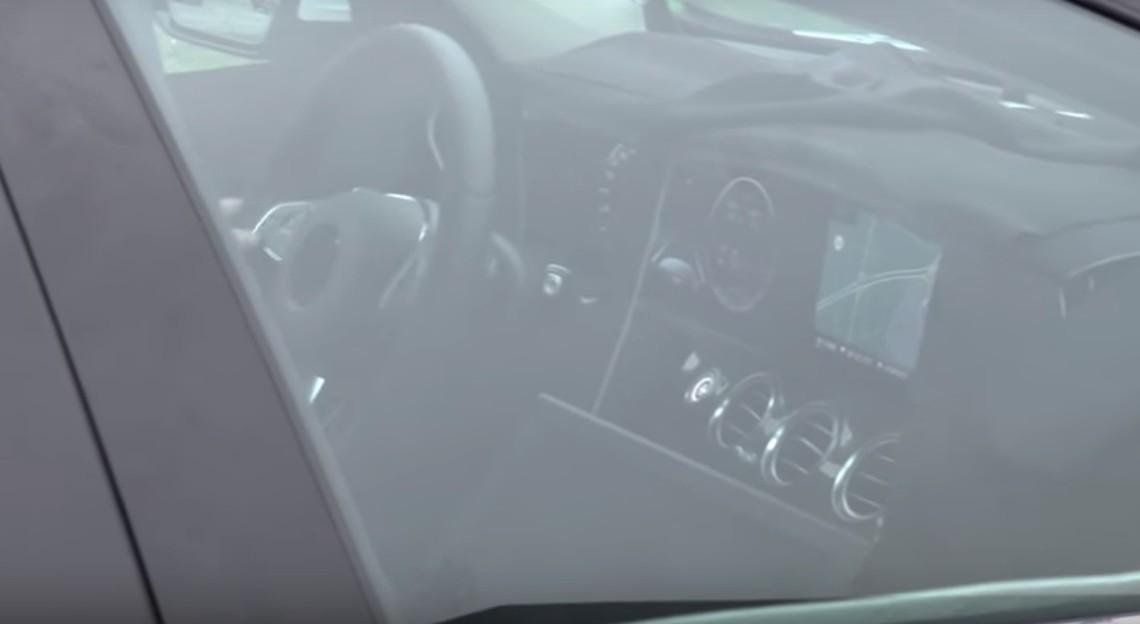 Interiorul noului E-Class 2017 cu ceasuri digitale, dezvăluit