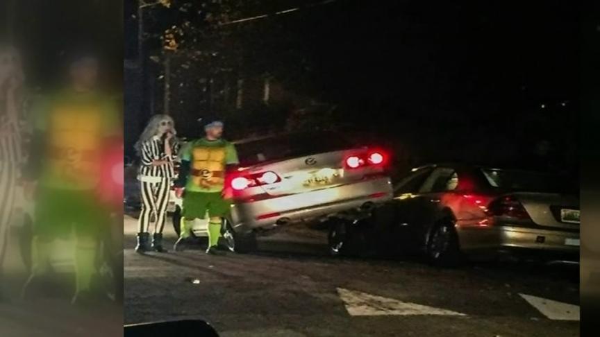 Beetlejuice lovește un Mercedes și fuge de la locul accidentului