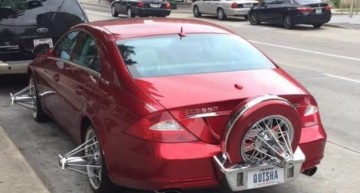 Oare ce s-a întâmplat cu eleganța? Un Mercedes-Benz CLS umblă cu roți bizare prin Texas