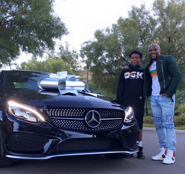 Floyd Mayweather i-a dat fiului său un Mercedes-Benz C-Class Coupe
