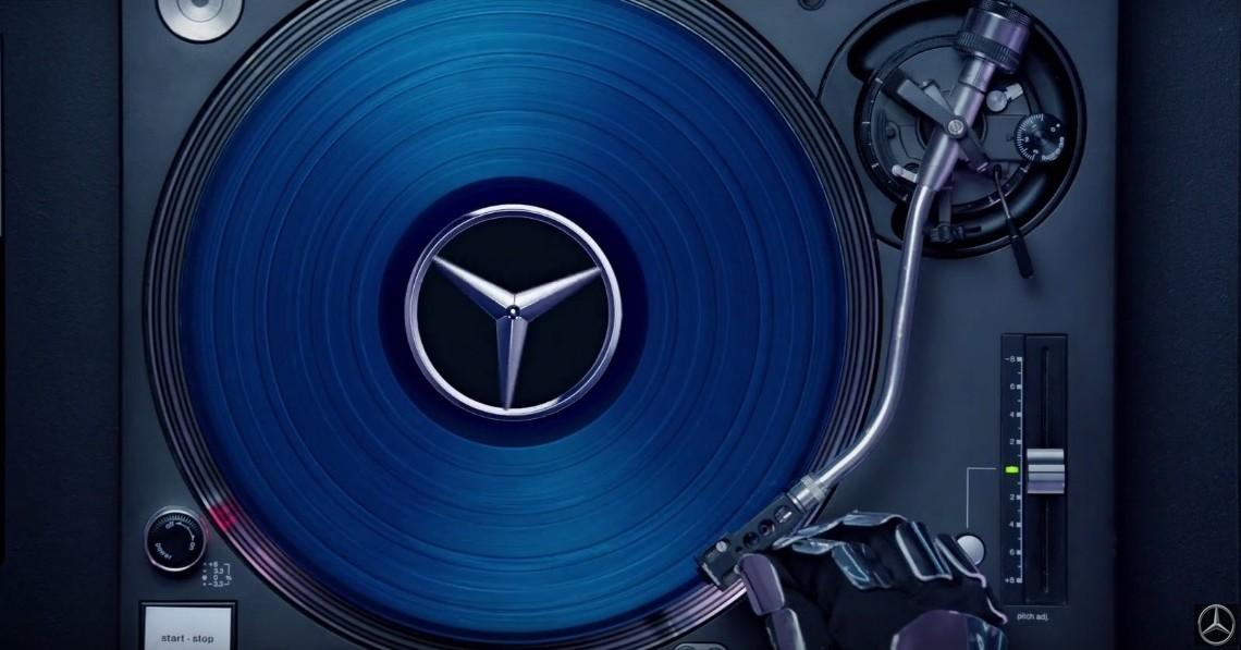 Hey, Mr. DJ! Lewis Hamilton pregătește petrecerea Mercedes-AMG