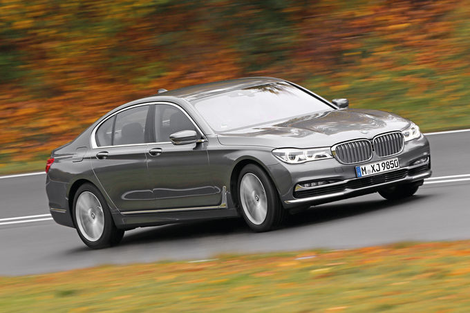 Mercedes-S-500-vs-BMW-750i-Audi-A8-4.0-TFSI-22