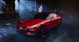 Moș Crăciun renunță la sanie pentru un Mercedes-AMG GT