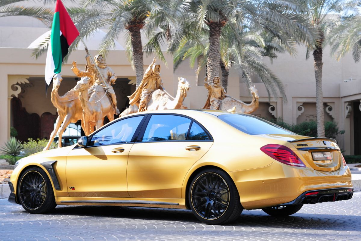 brabus-900-rocket-gold-edition-5