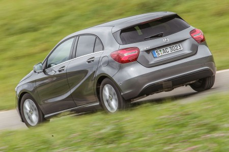 test-mercedes-benz-a180-a3-118i-12