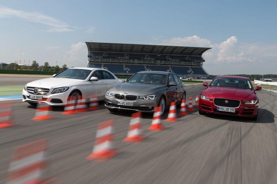Mediu în sânge, vă rog! BMW Seria 3 facelift versus C-Class și XE