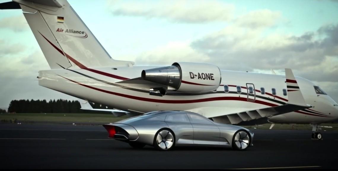 Conceptul Mercedes-Benz IAA se ia la întrecere cu un avion?