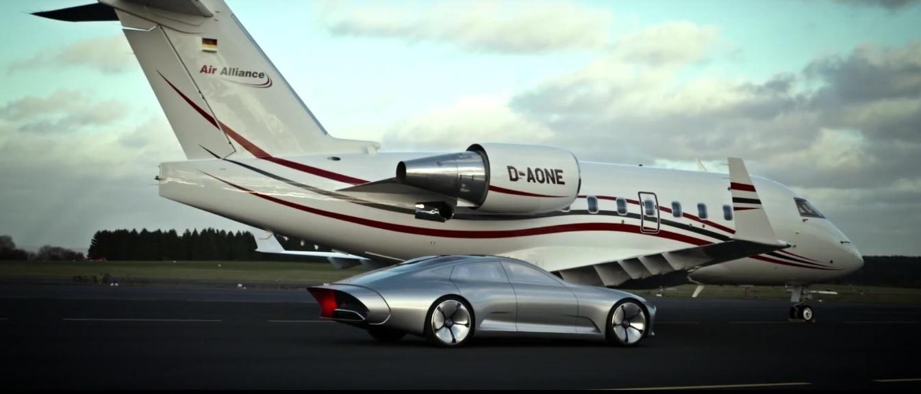 Conceptul Mercedes Benz Iaa Se Ia La 238 Ntrecere Cu Un Avion