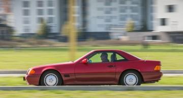 Test retro Mercedes SL R129 realizat de Motor Klassik