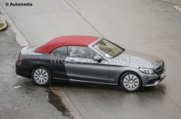 Mercedes C-Class Cabrio surprins aproape necamuflat