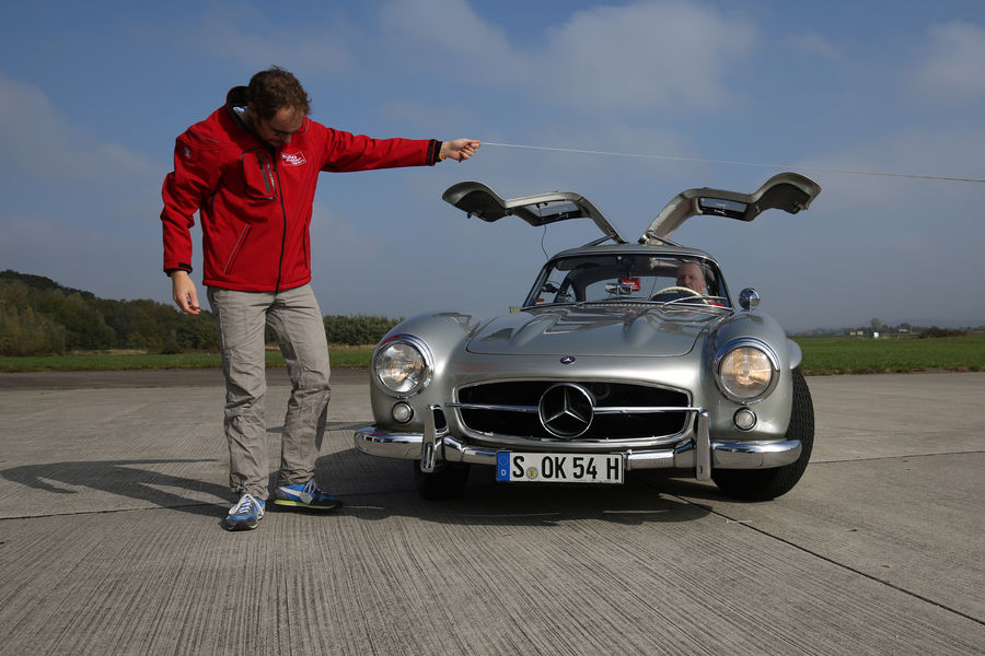 mercedes-300-sl-gullwing-test-8