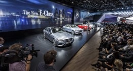 ÎN DIRECT DE LA NAIAS. Un tur video live al stand-ului Mercedes-Benz de la Detroit