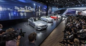 ÎN DIRECT DE LA NAIAS. Un tur video live al stand-ului Mercedes-Benz de la Detroit