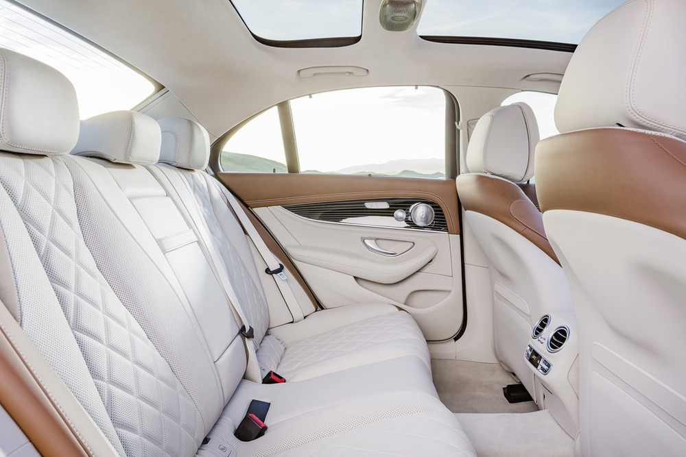 2017-Mercedes-E-Class-9