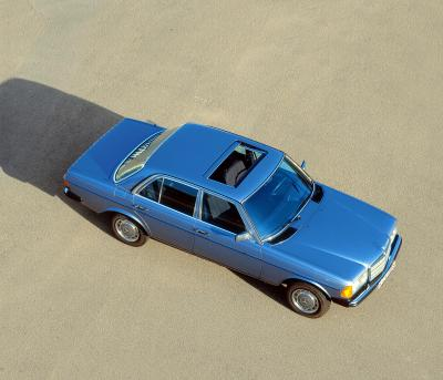 40 de ani - Mercedes-Benz W123