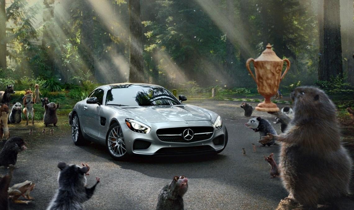 Mercedes-Benz se întoarce la Super Bowl!