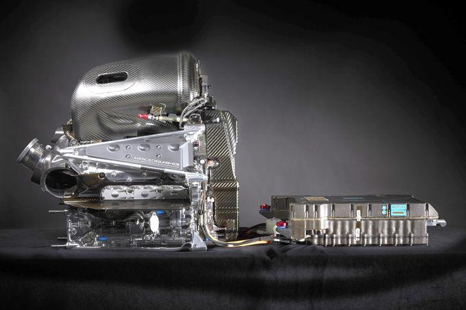 Cum sună motorul monopostului Mercedes din Formula 1, AMG W07, în 2016