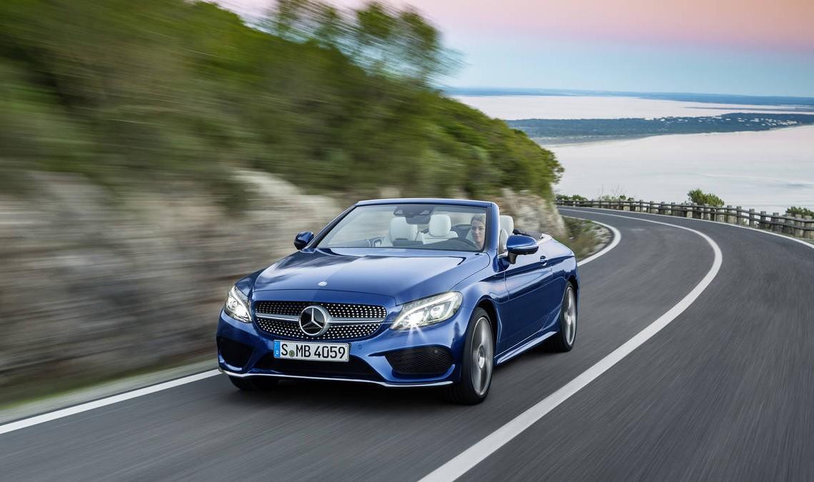 Mercedes-Benz umple un gol istoric cu prima decapotabilă C-Class: Mercedes-Benz C-Class Cabriolet