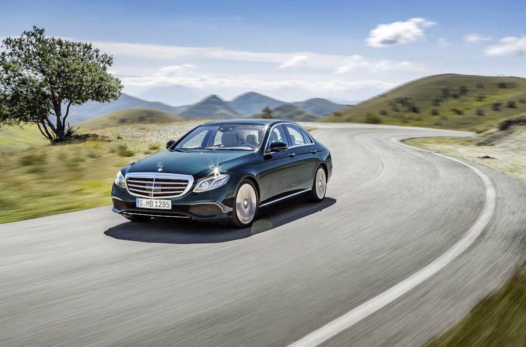 Managerii devin eco – Șefii de la Daimler vor conduce mașini electrice sau hibrid