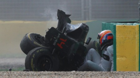 Alonso accident 4 Melbourne