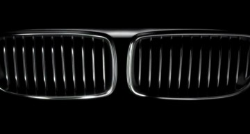"""""""Primii 30 de ani au fost plictisitori fără voi!"""" Farsa Mercedes vs BMW continuă"""