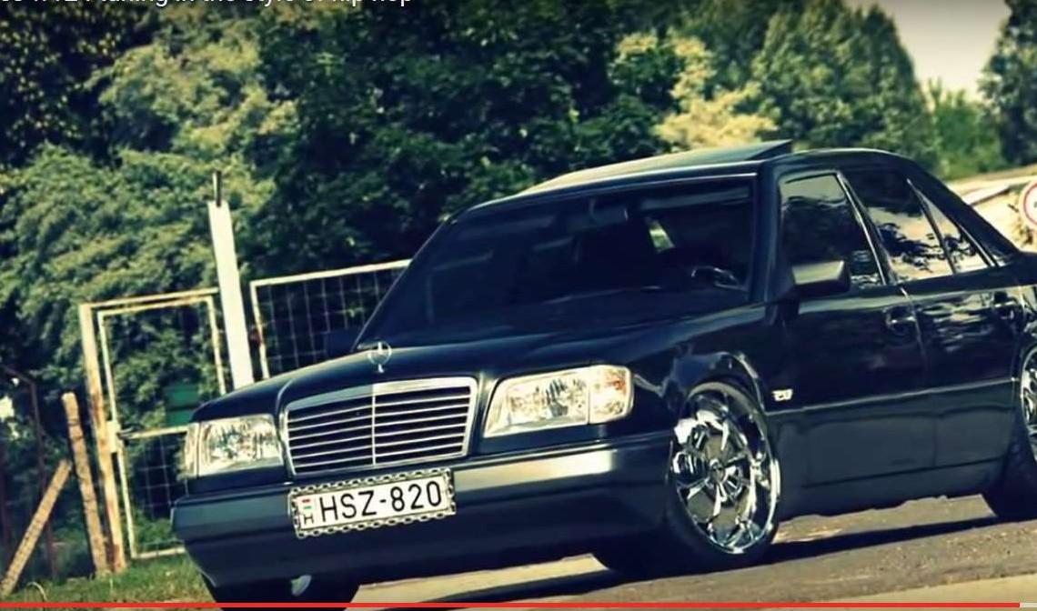 Limuzină în lanțuri – Un Mercedes-Benz W124 cu un look bizar