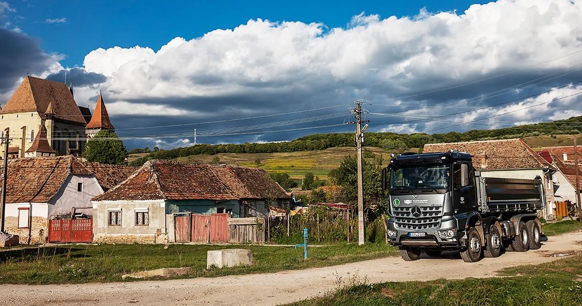 Acasă la Dracula – Camioanele RoadStars au venit în România