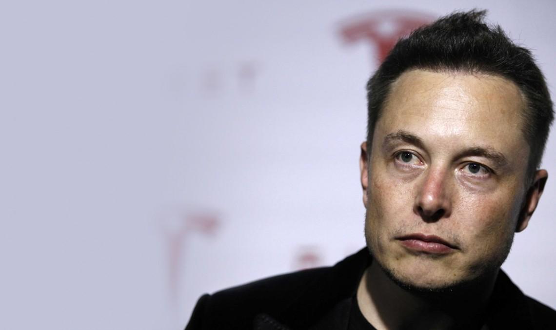 Zetsche adoră Tesla: Elon Musk este un 'geniu'