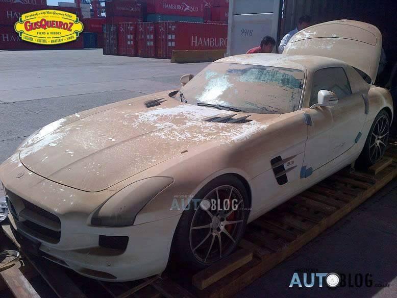 Mercedes SLS AMG la apă! Fotografii sfâșietoare ale bolidului care s-a înecat