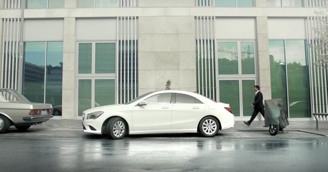 Accidentul romantic – O nouă reclamă amuzantă de la Mercedes-Benz