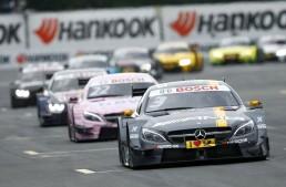 Muller se impune, Mercedes pierde duelul strategic