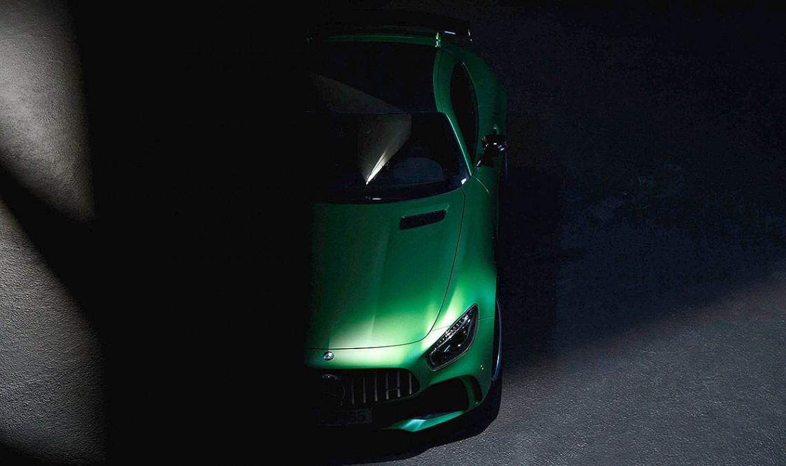 Bestia din iadul verde – Mercedes-AMG GT R provocat să iasă din ascunzătoare