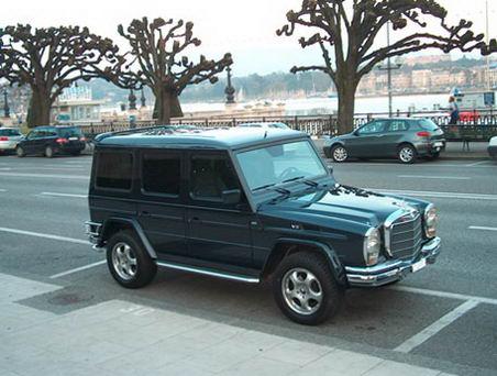Cel mai ciudat Mercedes-Benz din lume – Un G-Class limuzină