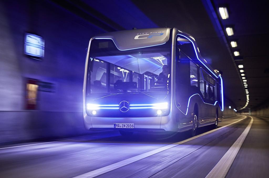 Acesta este autobuzul viitorului, Mercedes-Benz Future Bus