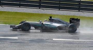 Nico Rosberg penalizat după ce a primit informații despre mașină în timpul cursei