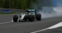 Furtună în paradis – Rosberg penalizat, Hamilton arogant