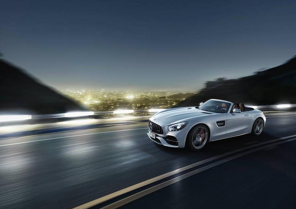 Iată primul video cu Mercedes-AMG GT Roadster, dar și o nouă galerie foto