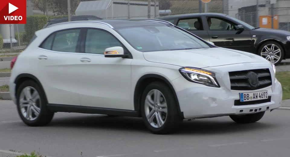 Mercedes GLA facelift ne arată noile faruri LED