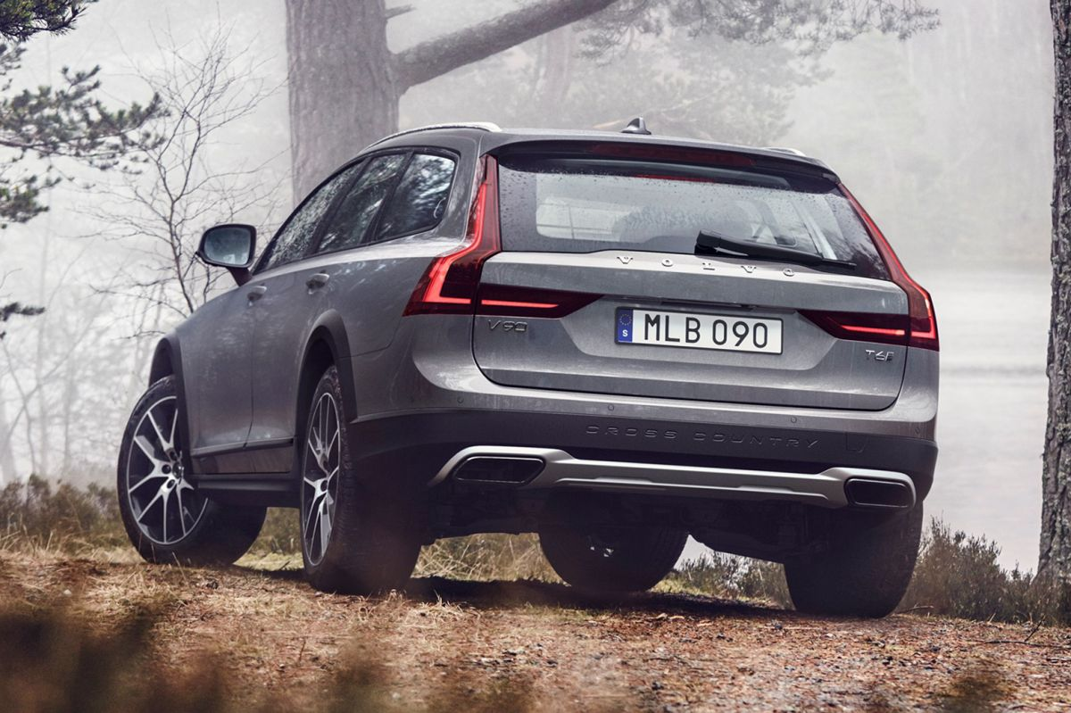 volvo-v90-cross-country-1-1