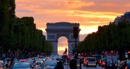 Camioanele Mercedes-Benz au luat cu asalt Parisul