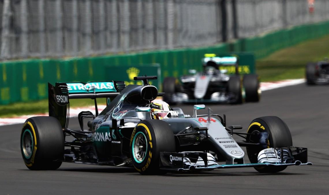 Cursă perfectă pentru Mercedes în Mexic! Hamilton câștigă, Rosberg termină al 2-lea