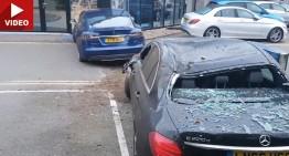 Tesla Model S atacă o reprezentanță Mercedes